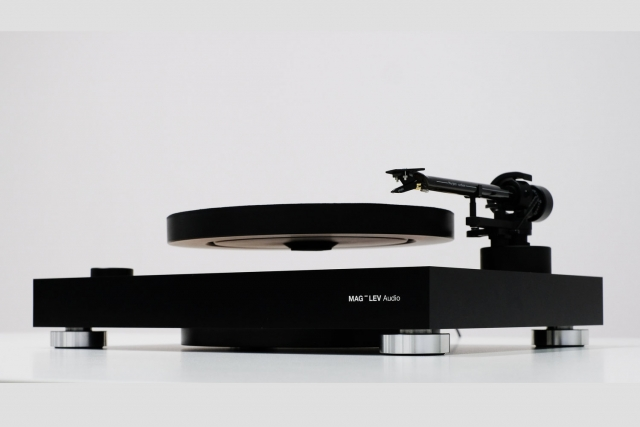 mag-lev-levitating-turntable-1.jpg